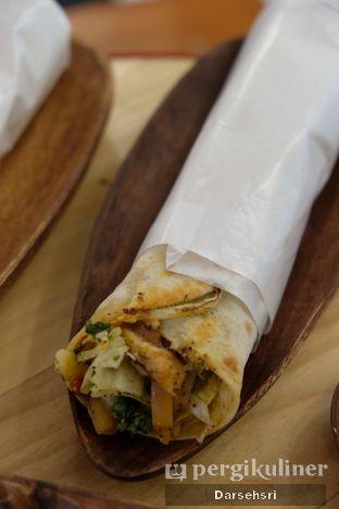 Foto 1 - Makanan di Emado's Shawarma oleh Darsehsri Handayani