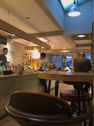 Foto 5 - Interior di Marka Coffee Kitchen oleh Fadhlur Rohman