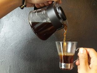 Foto - Makanan(Filter Coffee) di Young & Rise Coffee oleh Devin Dwizantara