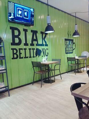 Foto 5 - Interior di Kong Djie Coffee Belitung oleh abigail lin