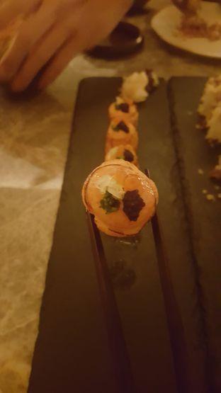 Foto 3 - Makanan di Oku Japanese Restaurant - Hotel Indonesia Kempinski oleh Vising Lie