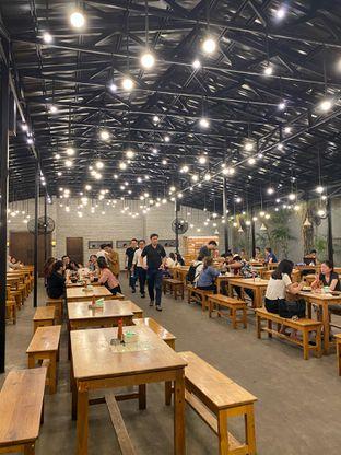 Foto 3 - Interior di Ropang Plus Plus oleh Duolaparr