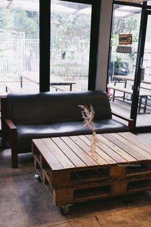 Foto 10 - Interior di Maraca Books and Coffee oleh Indra Mulia