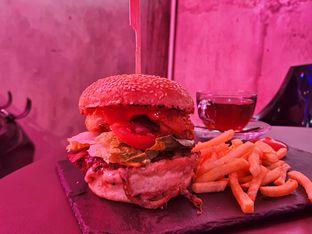 Foto 3 - Makanan di Dope Burger & Co. oleh imanuel arnold