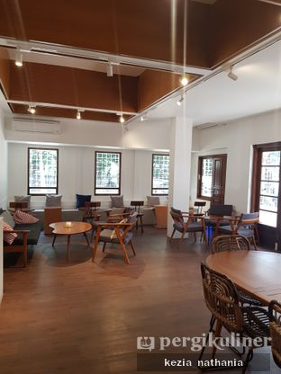 Foto 3 - Interior di Simetri Coffee Roasters oleh Kezia Nathania