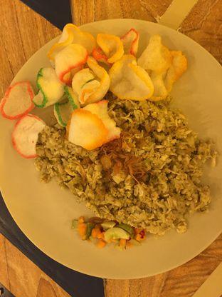 Foto 2 - Makanan(Nasi Goreng Kencur) di Geulis The Authentic Bandung Restaurant oleh winna
