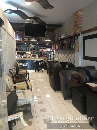 Foto 3 - Interior di Thamir Coffee oleh Delavira