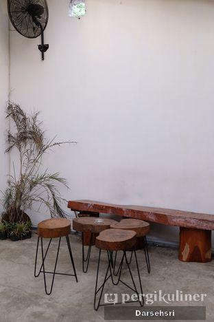 Foto 5 - Interior di Seanan Coffee oleh Darsehsri Handayani