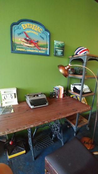 Foto 4 - Interior di Blumchen Coffee oleh om doyanjajan