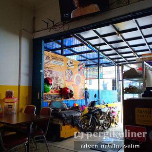 Foto 4 - Interior di Depot Es Durian Nan Salero oleh @NonikJajan