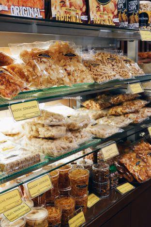 Foto 10 - Makanan di Michelle Bakery oleh Indra Mulia
