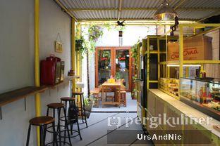 Foto 10 - Interior di Nasi Kuning Cakalang Oma oleh UrsAndNic