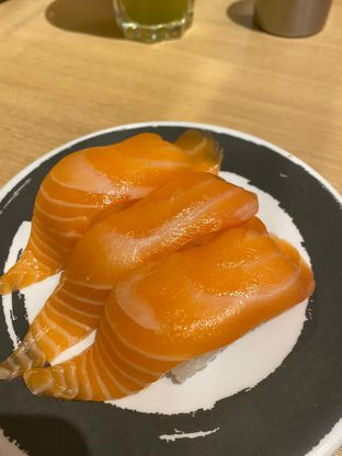 Foto 2 - Makanan di Genki Sushi oleh Duolaparr