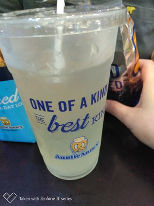 Foto review Auntie Anne's oleh perut mbul 2
