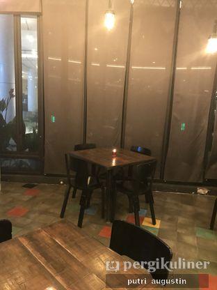 Foto 7 - Interior di Babochkaa Bistro & Coffee Bar oleh Putri Augustin