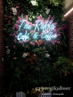 Foto 4 - Interior di Raffa Cafe & Coffee oleh Samira Inasyah