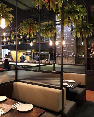 Foto 10 - Interior di Bara Restaurant oleh Claudia @claudisfoodjournal