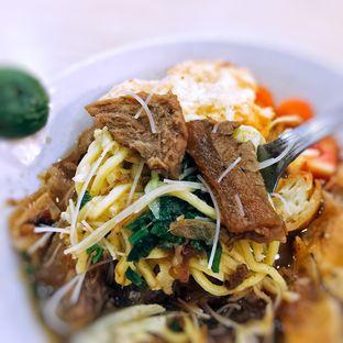 Foto 5 - Makanan di Soto Mie Sawah Lio oleh Astrid Huang | @biteandbrew