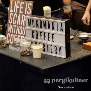 Foto 5 - Interior di Monomania Coffee House oleh Darsehsri Handayani
