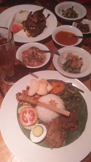Foto 10 - Makanan di Bebek Bengil oleh Review Dika & Opik (@go2dika)