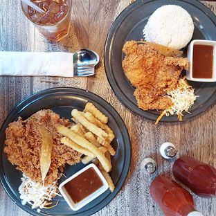Foto - Makanan(Hot Crispy Spicy Chicken) di Giggle Box oleh Richard Wijaya