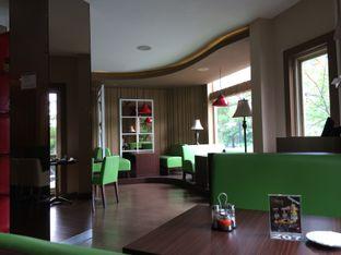 Foto 6 - Interior di Serba Food oleh Elvira Sutanto