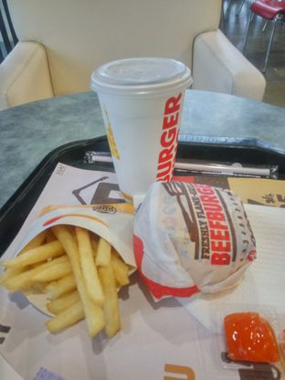 Foto 1 - Makanan(sanitize(image.caption)) di Burger King oleh Fadhlur Rohman