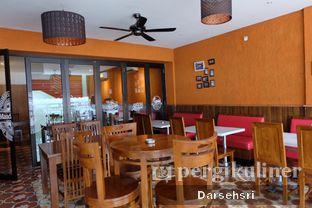 Foto 13 - Interior di Mandailing Cafe Bistro oleh Darsehsri Handayani