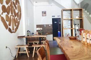Foto 7 - Interior di Groots Coffee oleh yeli nurlena