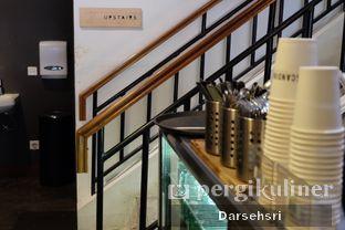 Foto 8 - Interior di Scandinavian Coffee Shop oleh Darsehsri Handayani