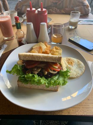 Foto 1 - Makanan di Braga Permai oleh hokahemattiga