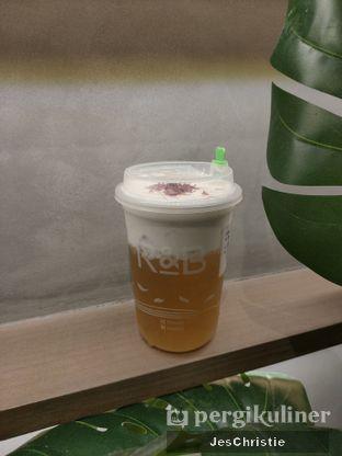 Foto 2 - Makanan(Wild Honey Blossom) di R&B Tea oleh JC Wen