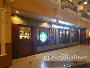 Foto 6 - Eksterior di Starbucks Coffee oleh Ladyonaf @placetogoandeat