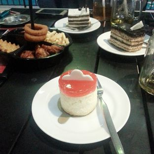 Foto 5 - Makanan(Dessert) di AH Resto Cafe - Hotel Ibis Budget Jakarta Cikini oleh Rizky Dwi Mumpuni