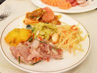 Foto 1 - Makanan(Makanan Pembuka Sulawesi) di Signatures Restaurant - Hotel Indonesia Kempinski oleh IG: FOODIOZ