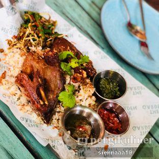 Foto 3 - Makanan(duck crispy kecombrang) di The Garden oleh Sienna Paramitha