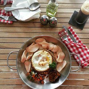 Foto 1 - Makanan(Nasi Goreng Kampoeng) di Pique Nique oleh Christine Kurnia