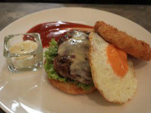 Foto 5 - Makanan(Pillow Talk Burger) di Pillow Talk oleh Vie Fitriana