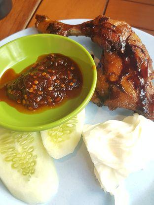 Foto 1 - Makanan di Ayam Bakar Megaria oleh Wiwis Rahardja
