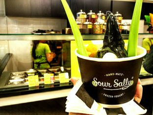 Foto review Sour Sally oleh D L 1
