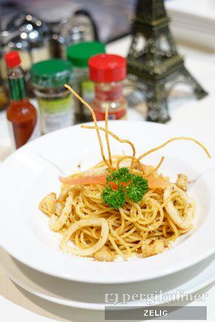 Foto 6 - Makanan di Foodmart Primo oleh @teddyzelig