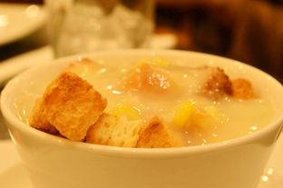Foto 4 - Makanan(Soup Of The Day (IDR 14k) ) di Pizza Hut oleh Renodaneswara @caesarinodswr