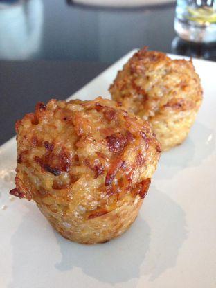 Foto 14 - Makanan di PASOLA - The Ritz Carlton Pacific Place oleh awakmutukangmakan