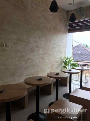 Foto 10 - Interior di Kamaie Coffee & Eatery oleh huseinnasyim