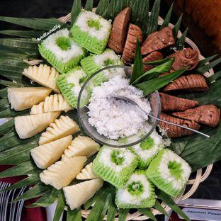 Foto 10 - Makanan(Jajanan pasar) di Canting Restaurant - Teraskita Hotel managed by Dafam oleh Stellachubby