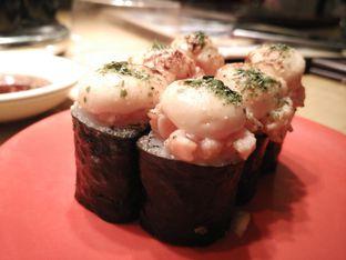 Foto 2 - Makanan(Salmon mentai Canape (44k)) di Sushi Tei oleh Shabira Alfath