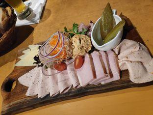 Foto 2 - Makanan(Paulaner Brotzeit platter) di Paulaner Brauhaus oleh Gabriel Yudha | IG:gabrielyudha