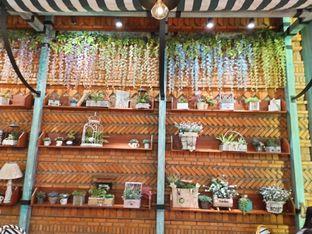 Foto 9 - Interior di ROOFPARK Cafe & Restaurant oleh Komentator Isenk