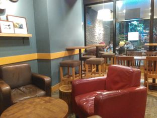 Foto 4 - Interior di Caribou Coffee oleh Renodaneswara @caesarinodswr