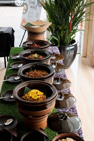 Foto 4 - Makanan di Lobby Lounge - Swiss Belhotel Serpong oleh Duolaparr
